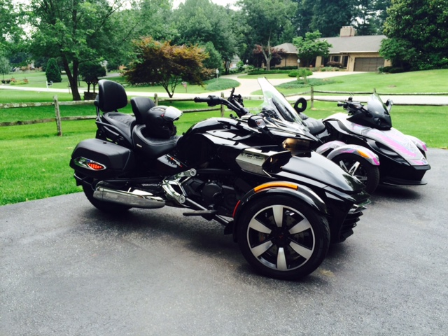 Can Am Spyder F3 The Other Wheel